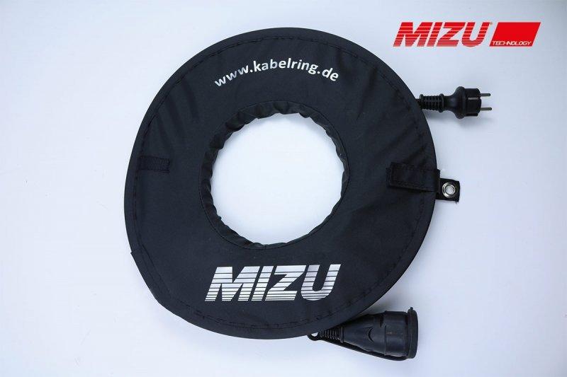 MIZU Aufrollhilfe / Kabelring inkl. 15 m Kabel in schwarz